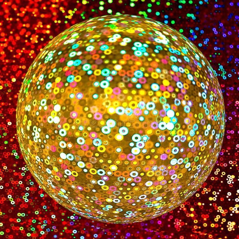 Bola de oro del disco que brilla imagenes de archivo