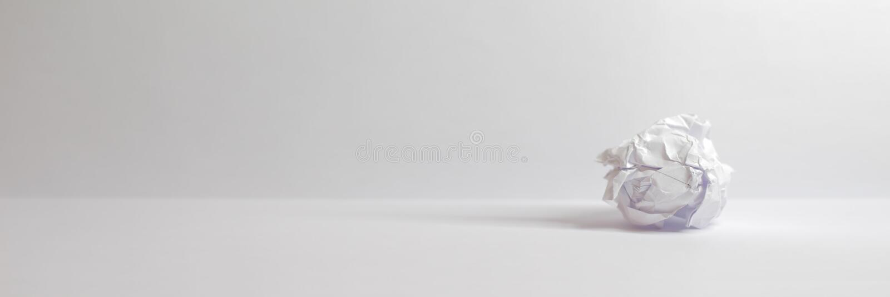 Bola de papel - espaço da cópia do Web site do encabeçamento do fundo imagens de stock