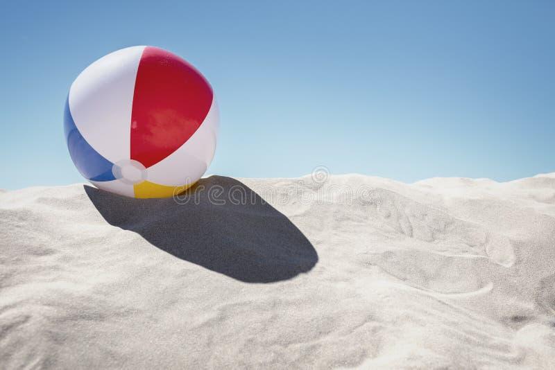 Bola de praia na areia foto de stock royalty free