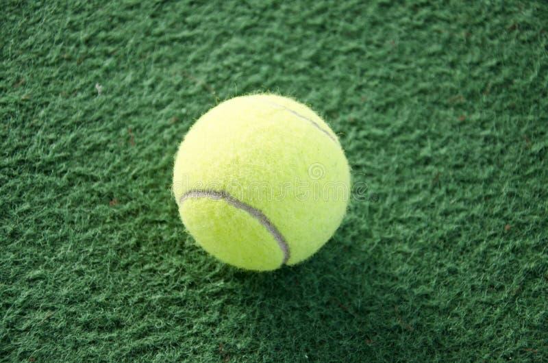 Bola de tênis fotos de stock royalty free