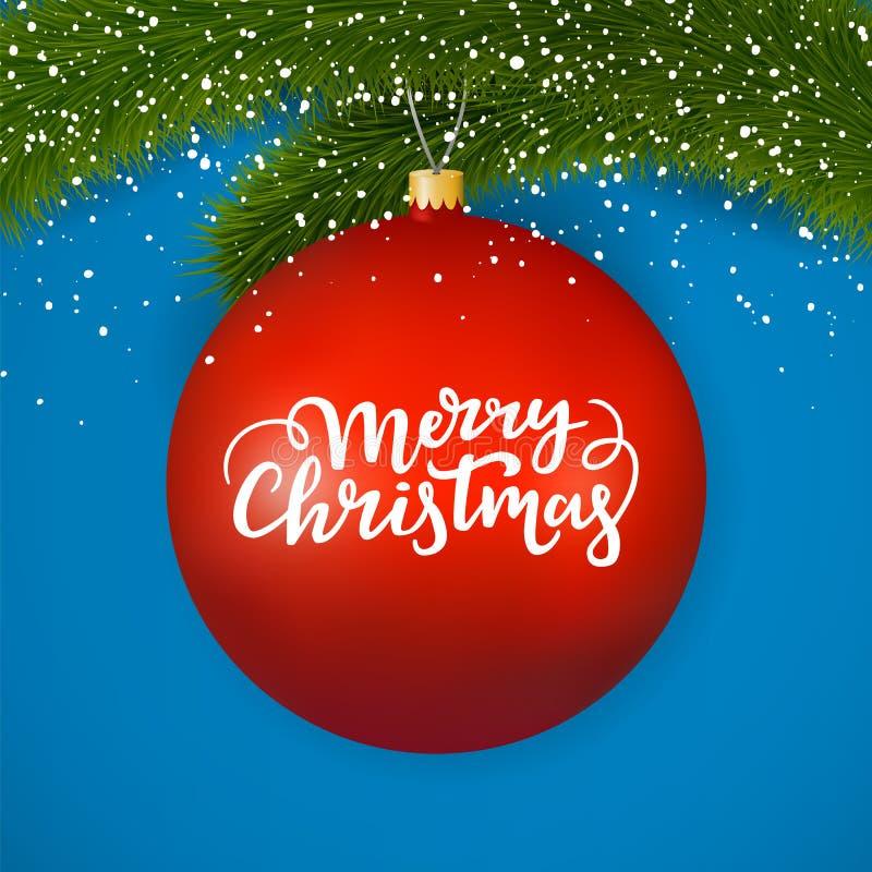 Bola de vidro vermelha do Natal com texto festivo O Feliz Natal que rotula em um inverno ornaments a suspensão em um ramo do abet ilustração stock