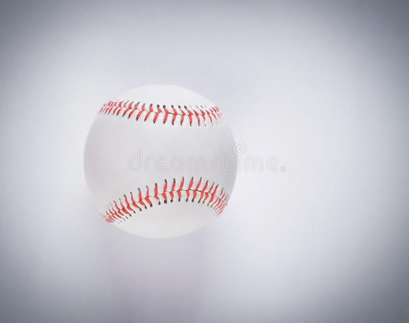 Bola del béisbol del juego americano más querido fotografía de archivo