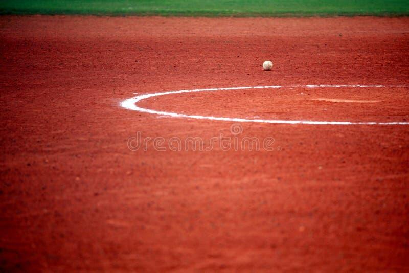 Bola del béisbol o del beísbol con pelota blanda imagen de archivo libre de regalías