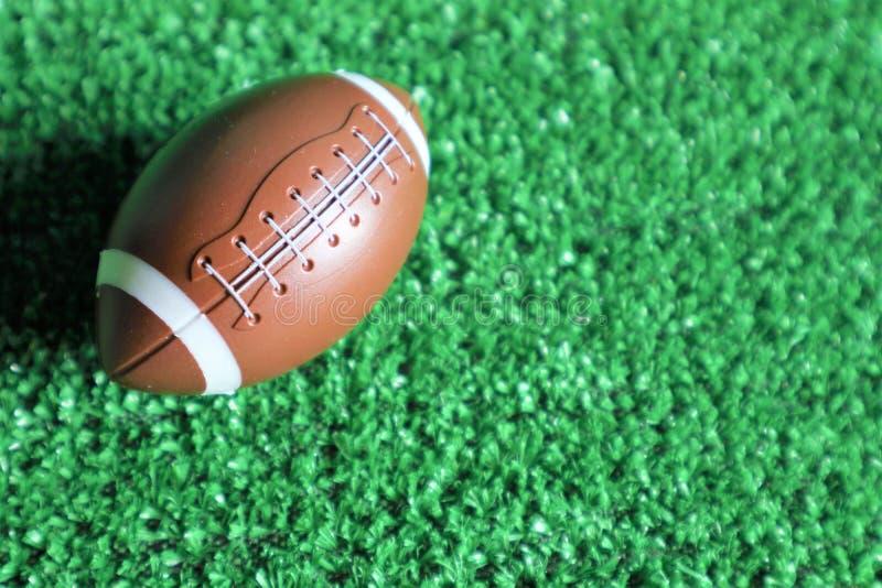 Bola del fútbol americano fotografía de archivo