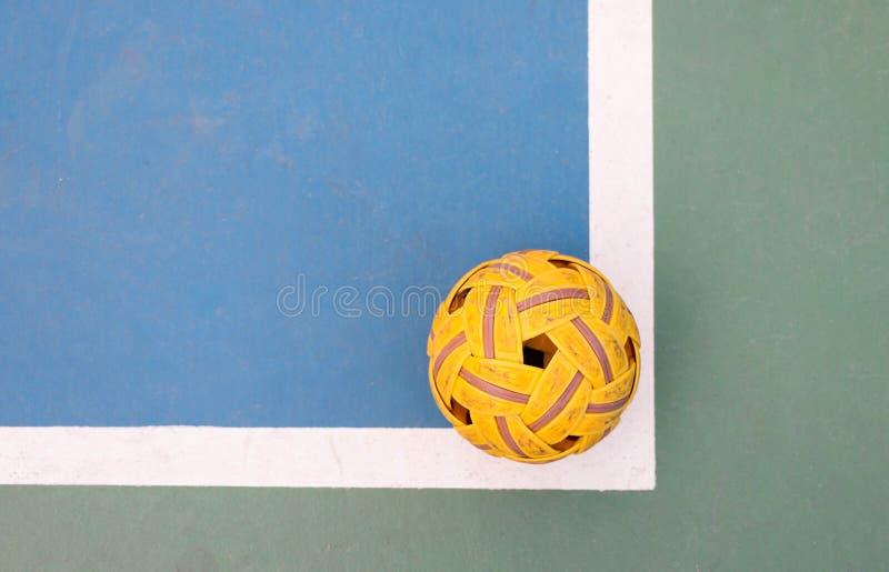 Bola del takraw de Sepak en corte imagen de archivo libre de regalías