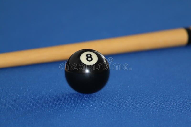 Bola negra en el vector de piscina fotografía de archivo libre de regalías