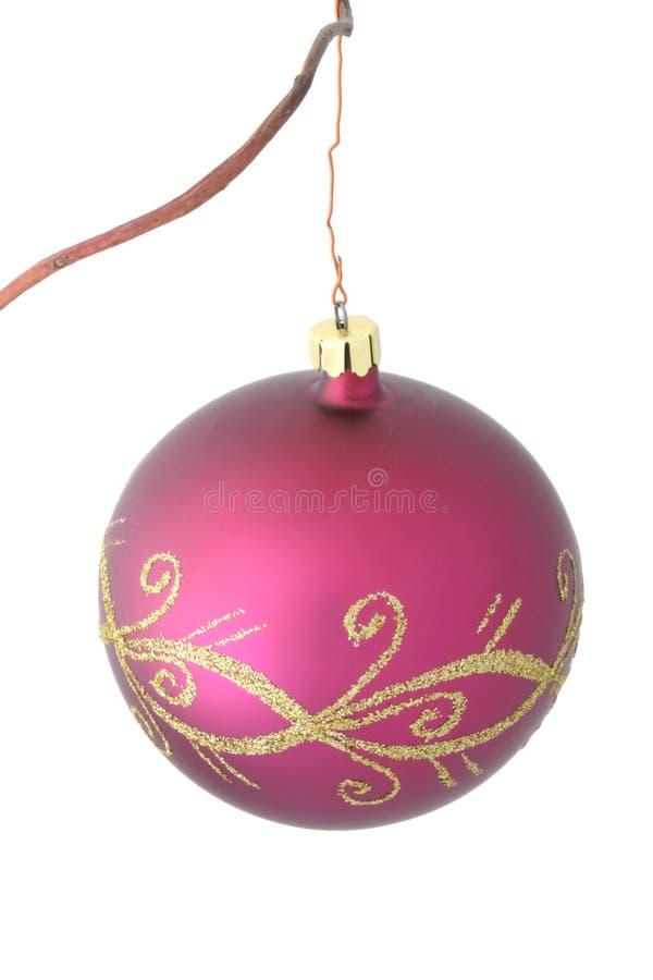 Bola púrpura de la Navidad - #2 aislado imagen de archivo libre de regalías