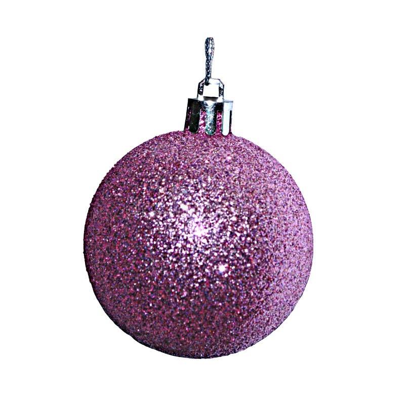 Bola púrpura de la Navidad aislada en el fondo blanco fotografía de archivo