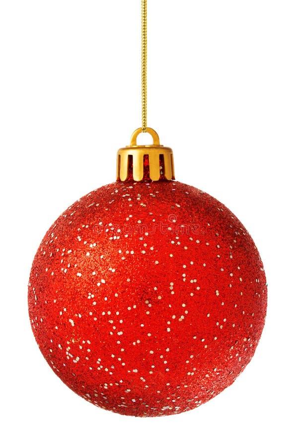 Bola roja de la Navidad aislada en blanco fotos de archivo libres de regalías