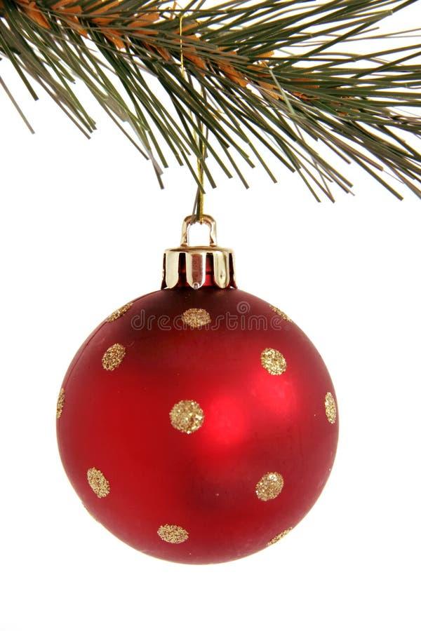 Bola roja de la Navidad con las estrellas foto de archivo libre de regalías
