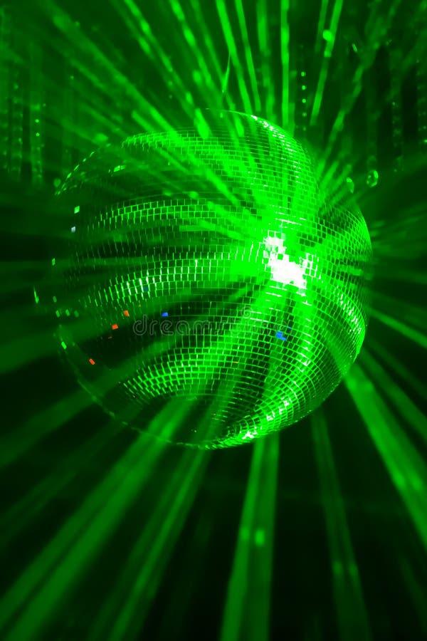 Bola verde del disco ilustración del vector
