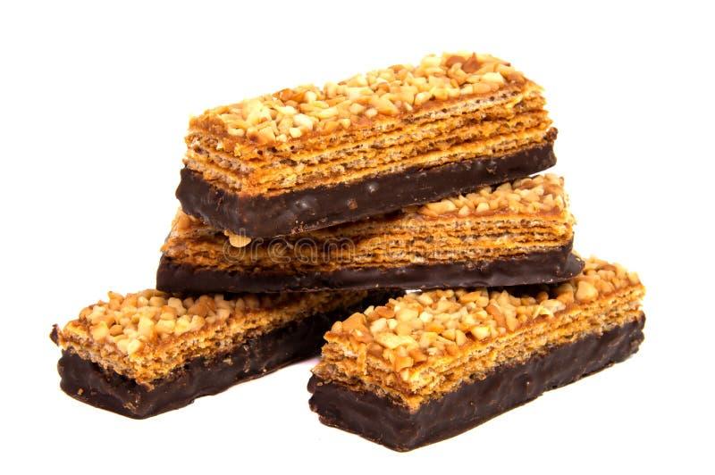 Bolachas do chocolate isoladas em um fundo branco fotos de stock royalty free