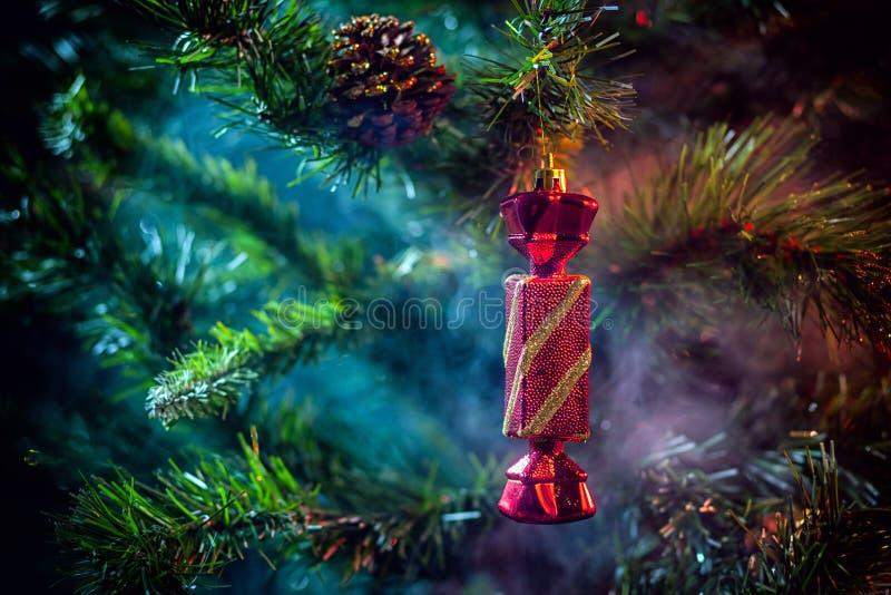 bolas brilhantes do Natal da decoração imagens de stock