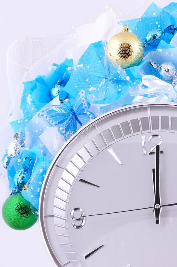 Download Bolas, Caramelos Y Reloj Verdes Y De Oro Imagen de archivo - Imagen de arqueamiento, caramelo: 64212525