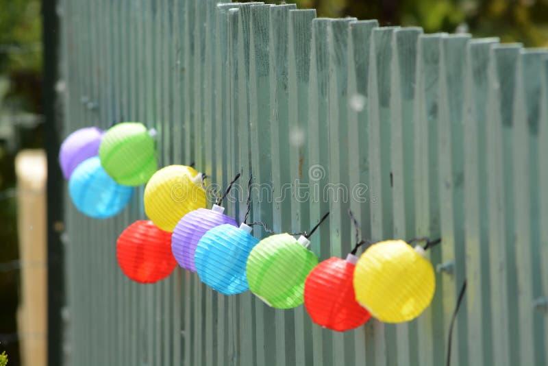 Bolas coloridas brilhantemente coloridas fotos de stock