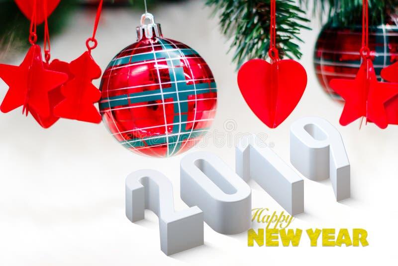 Bolas, corazón y estrellas rojos brillantes de la Navidad en blanco con el árbol de pino por Año Nuevo con el texto 2019 stock de ilustración