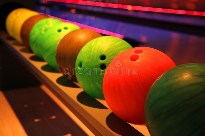 Bolas de boliches coloridas do disco imagem de stock
