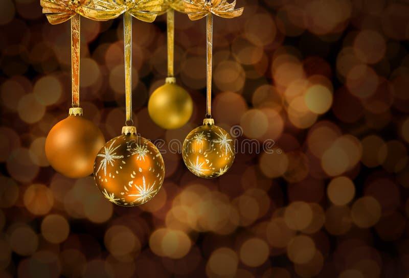 Bolas de cristal de la Navidad de oro foto de archivo libre de regalías