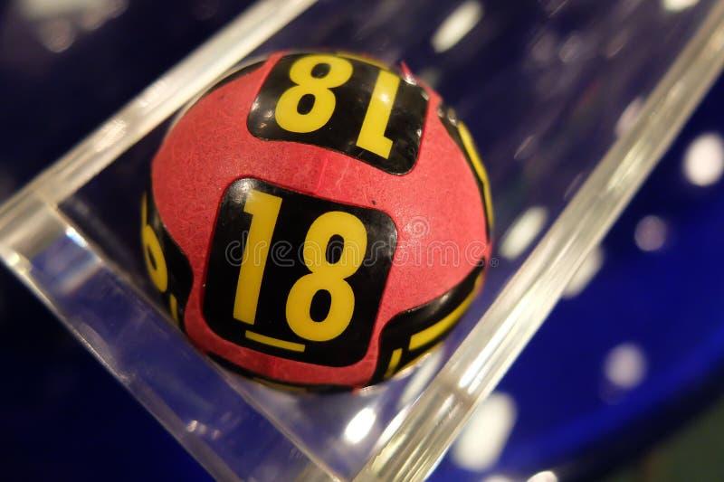 Bolas de la lotería durante la extracción imagen de archivo libre de regalías