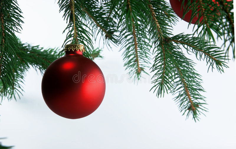 Bolas de la Navidad en árbol imagen de archivo