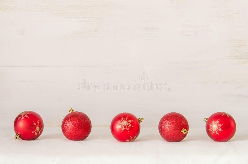 Bolas de la Navidad en fondo abstracto fotos de archivo libres de regalías
