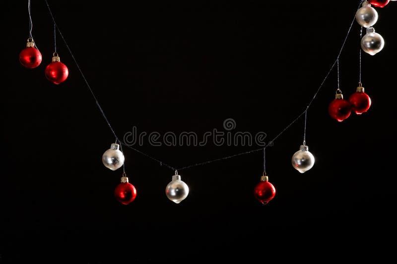 Download Bolas De La Navidad En Fondo Negro Foto de archivo - Imagen de objetos, cristal: 7287666