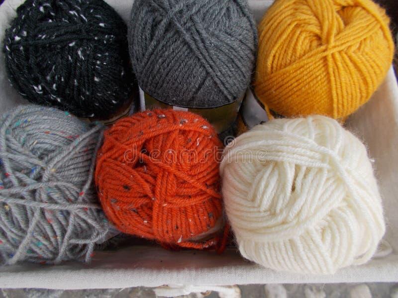 Bolas de lana imagenes de archivo