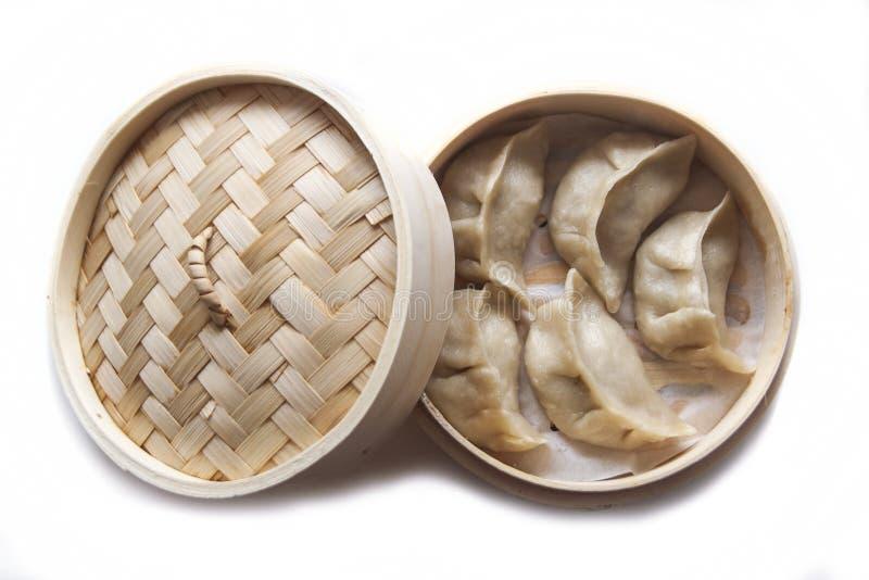 Bolas de masa hervida cocidas al vapor, comida china, comida oriental deliciosa foto de archivo libre de regalías