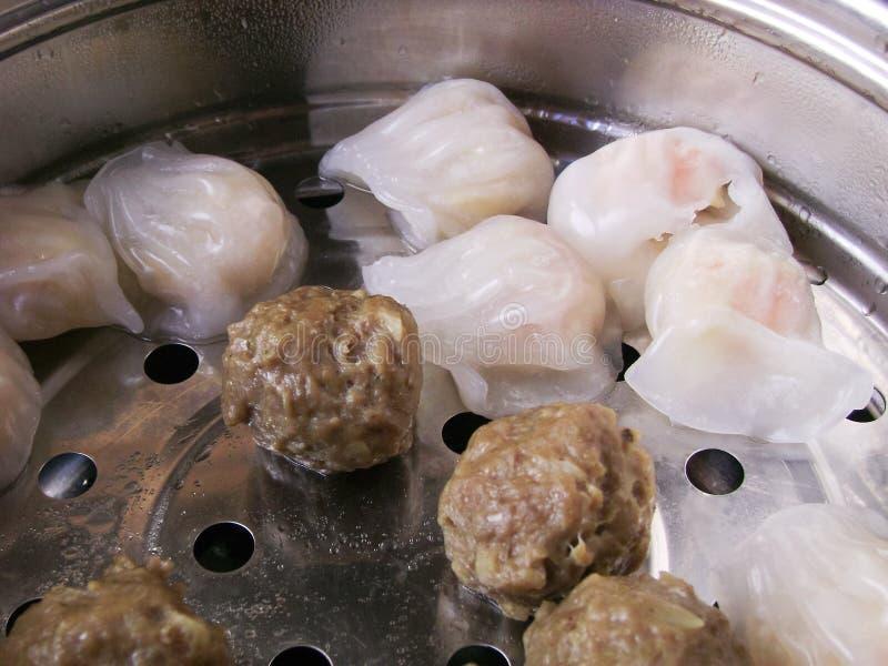 Bolas de masa hervida har de los kau de los arrancadores del Cantonese en cocinar del vapor imagen de archivo libre de regalías