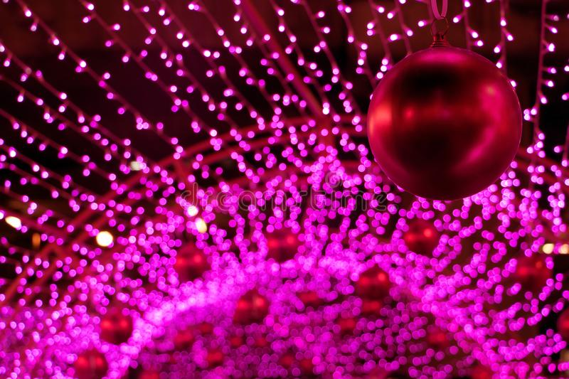Bolas decorativas do vermelho do Natal imagens de stock