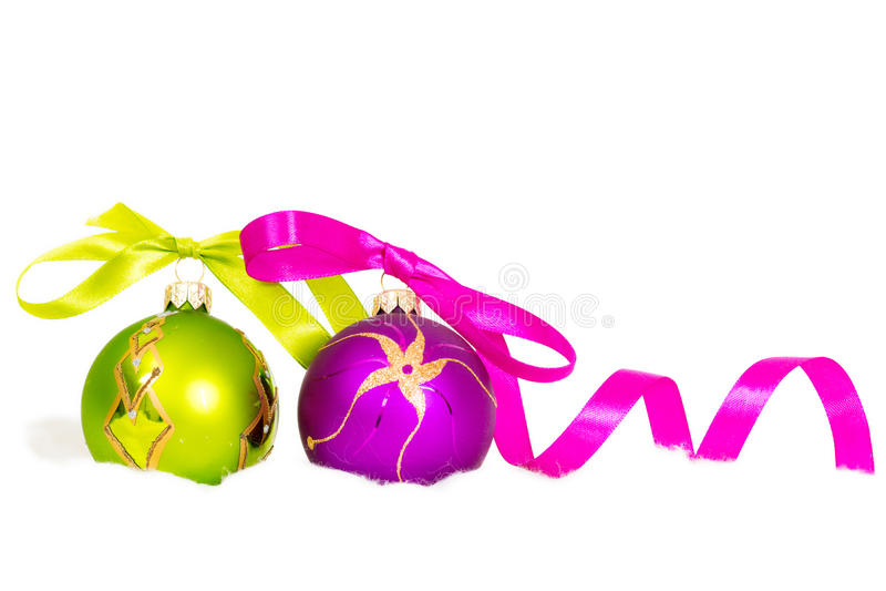 Bolas do ano novo na neve imagens de stock