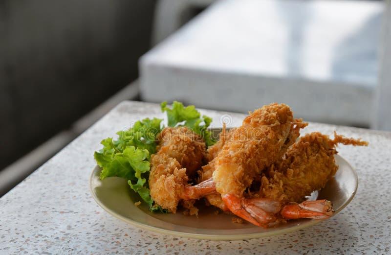 Bolas fritadas do camarão do camarão imagens de stock