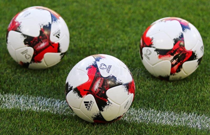 Bolas oficiales del partido del mundial 2018 de la FIFA fotografía de archivo