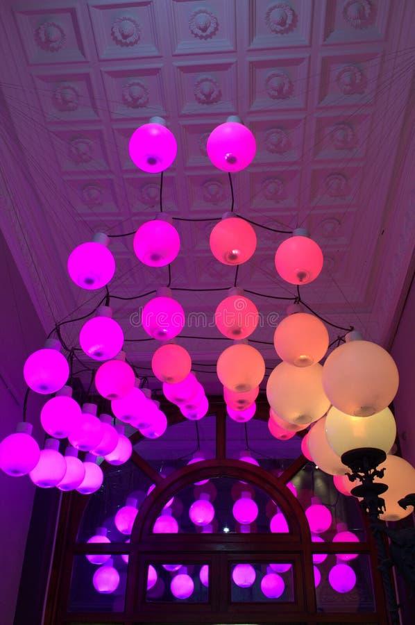 Bolas rosadas de la iluminación imagen de archivo libre de regalías
