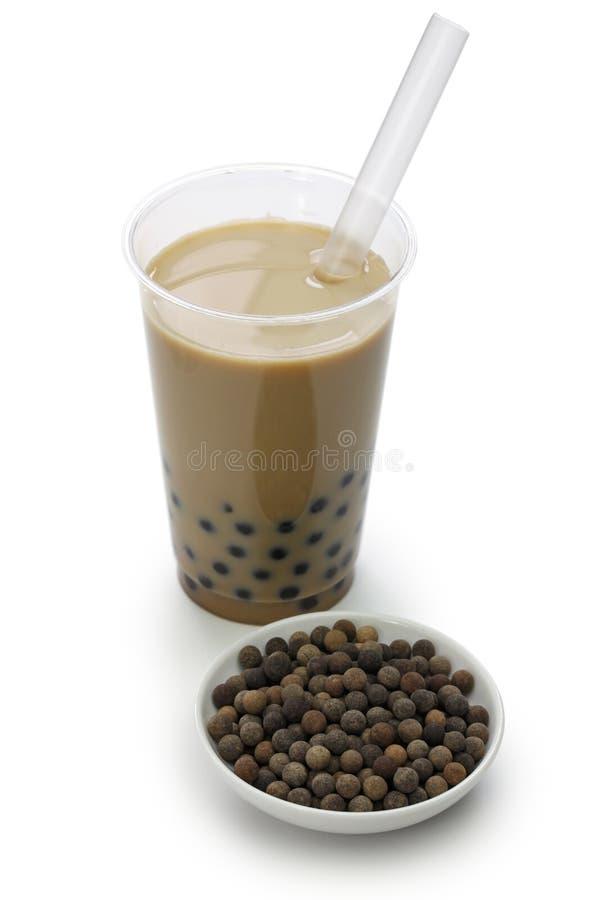 Bolas taiwanesas do tapioka do chá e do preto da bolha foto de stock royalty free
