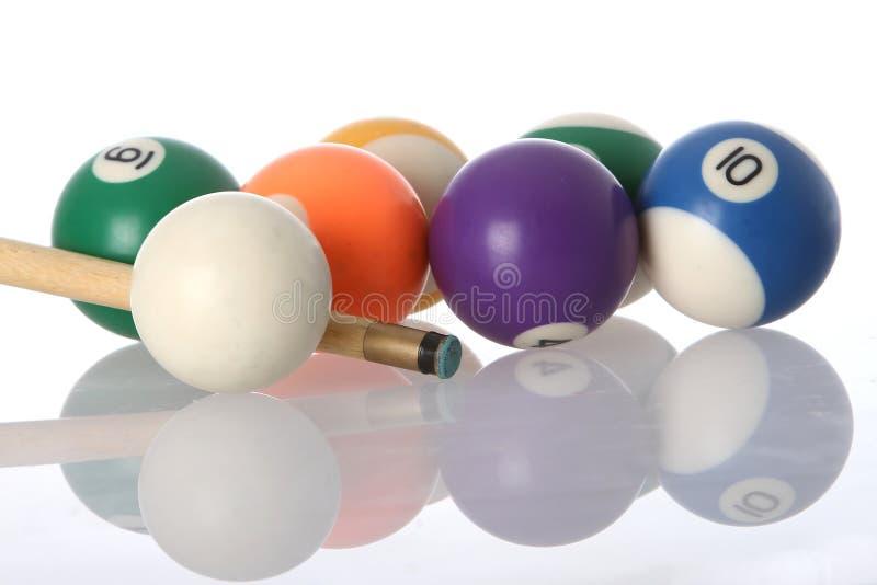 Bolas y señal de piscina foto de archivo