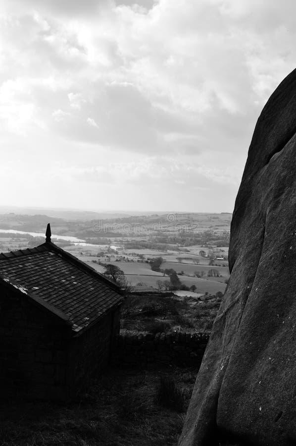 Bolder in staffordshire dichtbij een loodsplattelander royalty-vrije stock afbeeldingen