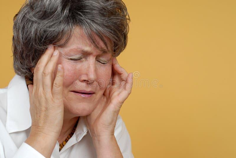 bolesna ból głowy. fotografia stock