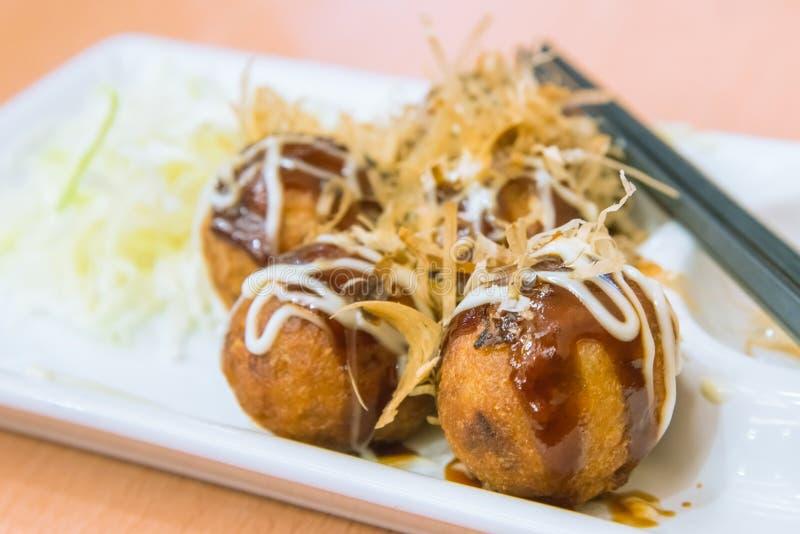 Bolinha de massa das bolas de Fried Takoyaki - alimento japonês imagem de stock