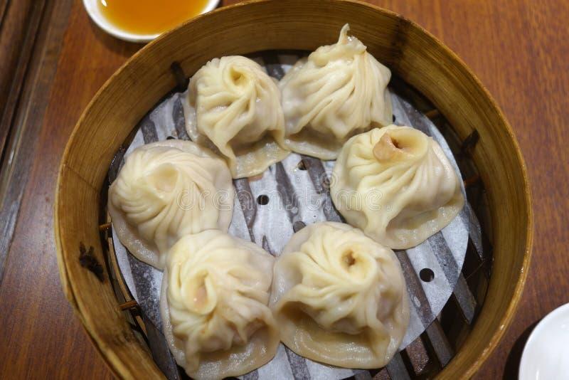 Bolinha de massa tradicional Xiao Long Bao da sopa fotografia de stock