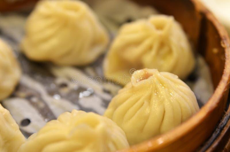 Bolinha de massa tradicional Xiao Long Bao da sopa fotos de stock
