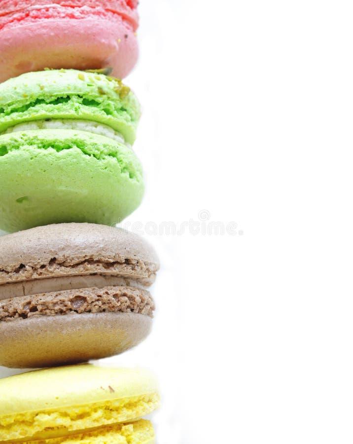 Bolinho de amêndoa colorido - cookies de amêndoa imagem de stock