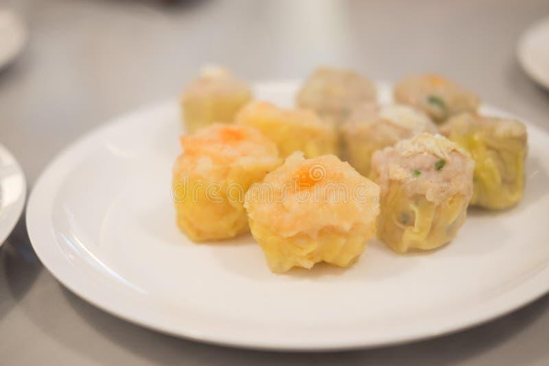 Bolinho de massa cozinhado chinês imagem de stock