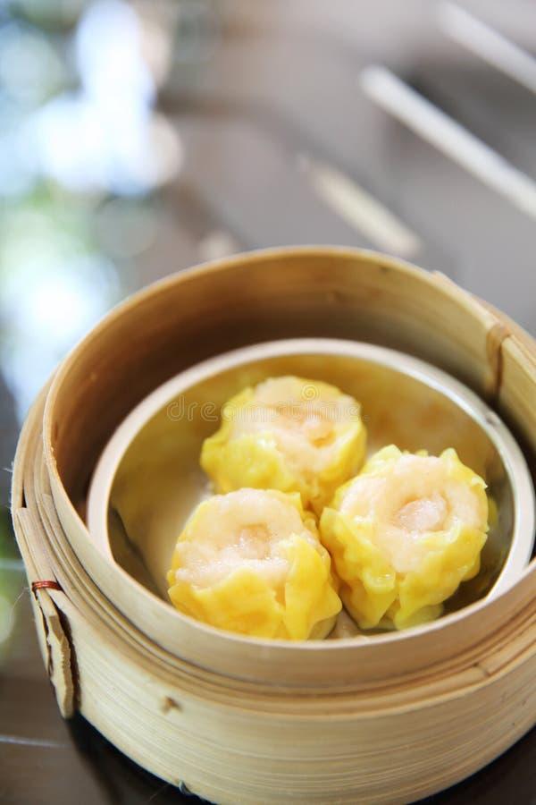 Bolinho de massa cozinhado chinês imagens de stock royalty free