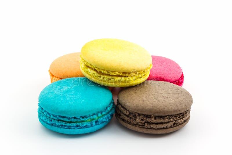 Bolinhos de amêndoa franceses doces e coloridos fotografia de stock