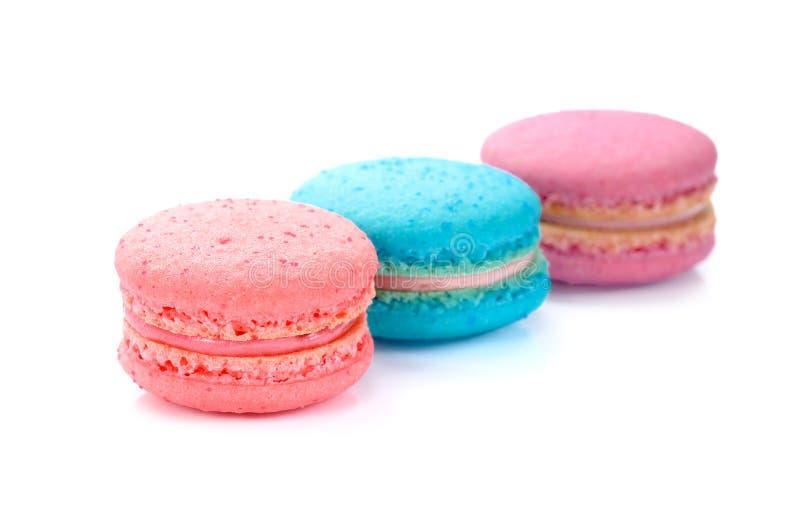 Bolinhos de amêndoa franceses doces e coloridos, macaron imagens de stock