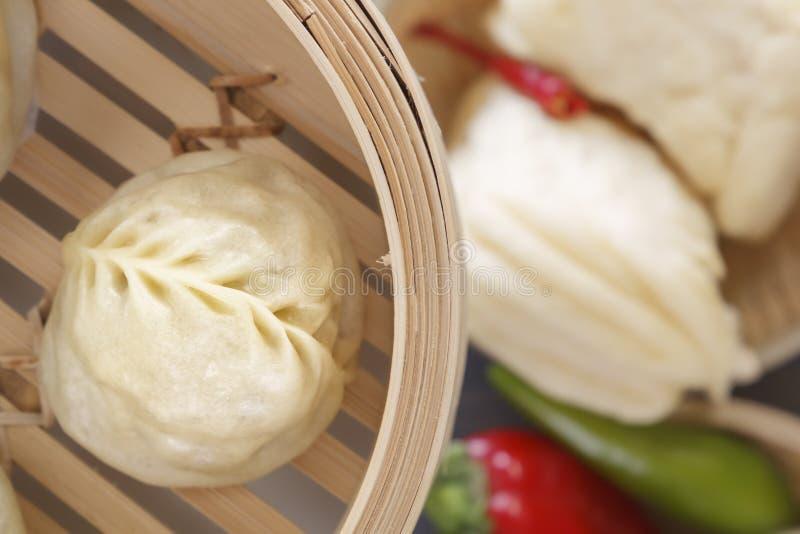 Bolinhos de massa cozinhados do chinês tradicional Vista superior Close-up imagem de stock