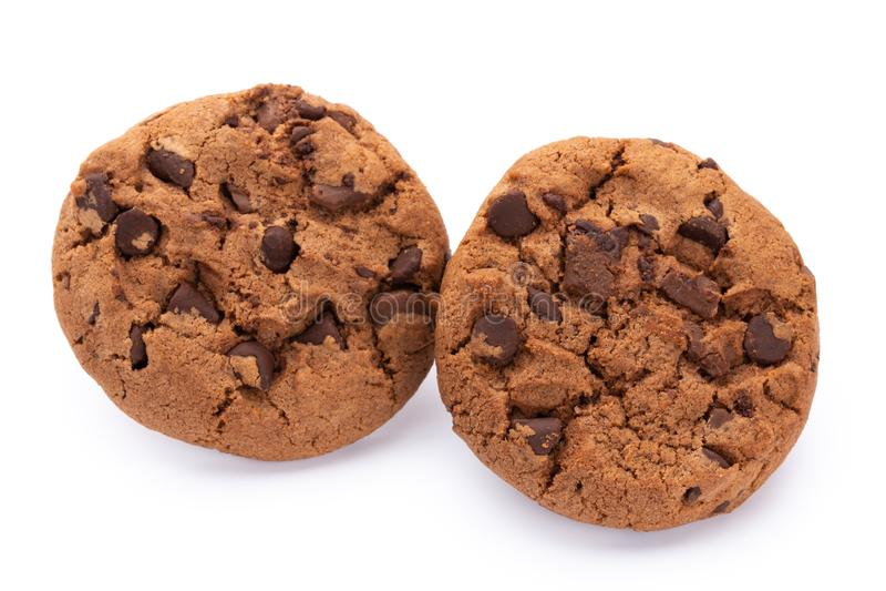 Bolinhos de microplaqueta de chocolate isolados no fundo branco Biscoitos doces Pastelaria caseiro imagens de stock royalty free