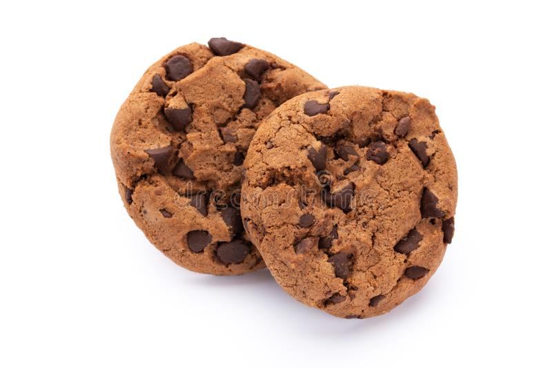 Bolinhos de microplaqueta de chocolate isolados no fundo branco Biscoitos doces Pastelaria caseiro foto de stock