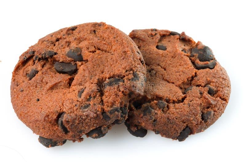 Bolinhos de microplaqueta de chocolate isolados no fundo branco Biscoitos doces Pastelaria caseiro fotos de stock